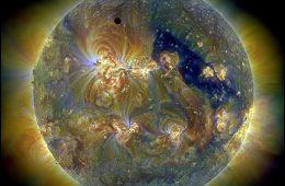 Tranzyt Wenus przez tarczę Słońca