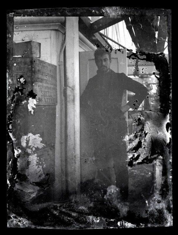 """Alexander Stevens, kierownik naukowy wyprawy Shackletona na Lodowcu Szelfowym Rossa, na pokładzie """"Aurory"""". Fot. Antarctic Heritage Trust, nzaht.org"""