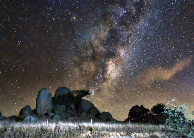 Nocne niebo. Fot. Indigo Skies Photography/Flickr