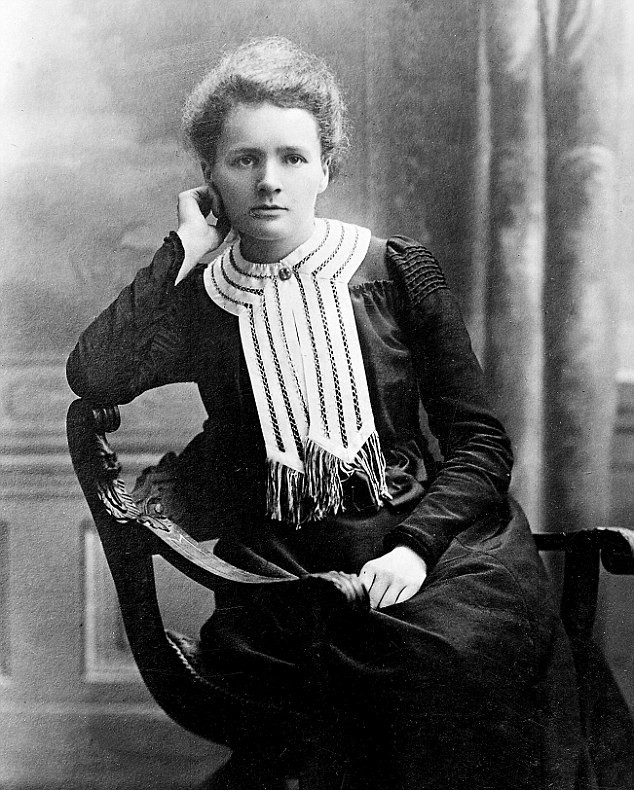 a biography of marie curie a french physicist Marie curie was a very renowned physics and chemist, mainly known for being a pioneer in the field of radioactivity she was the female professor at the university of paris and till date, is the first and only person.