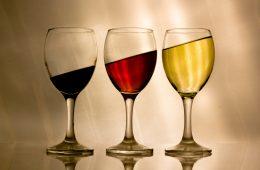 Alkohol pomógł w ewolucji człowieka? fot. Kimery Davis