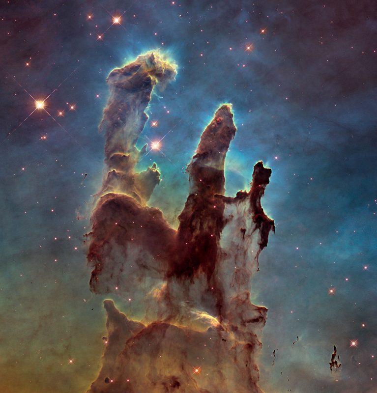 Nowe zdjęcie Filarów Stworzenia. Fot. NASA, ESA/Hubble and the Hubble Heritage Team