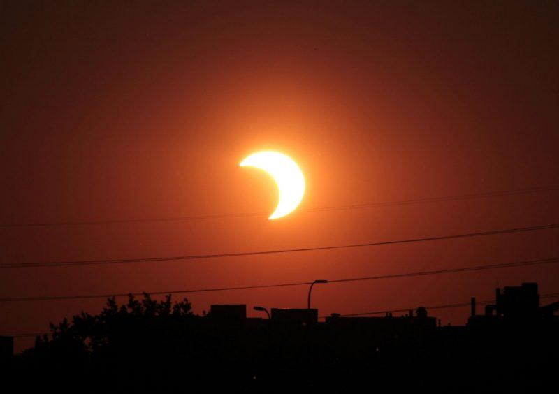 Częściowe zaćmienie Słońca 20 maja 2012 roku, USA. Fot. Tomruen/Wikimedia