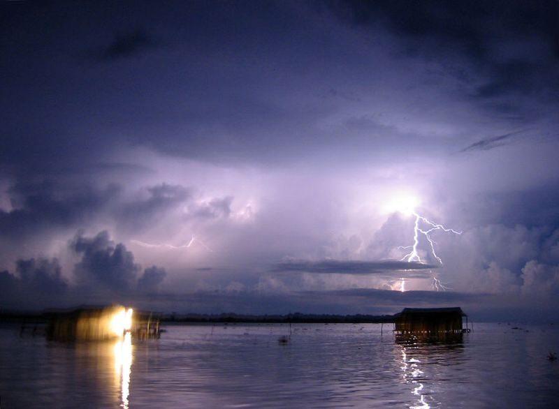 Latarnia Maracaibo, burza nad rzeką Catatumbo w Wenezueli. Fot. Thechemicalengineer/Wikimedia