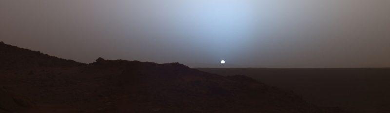 Zachód Słońca na Marsie widziany przez łazik Spirit w 2005 r. Fot. NASA
