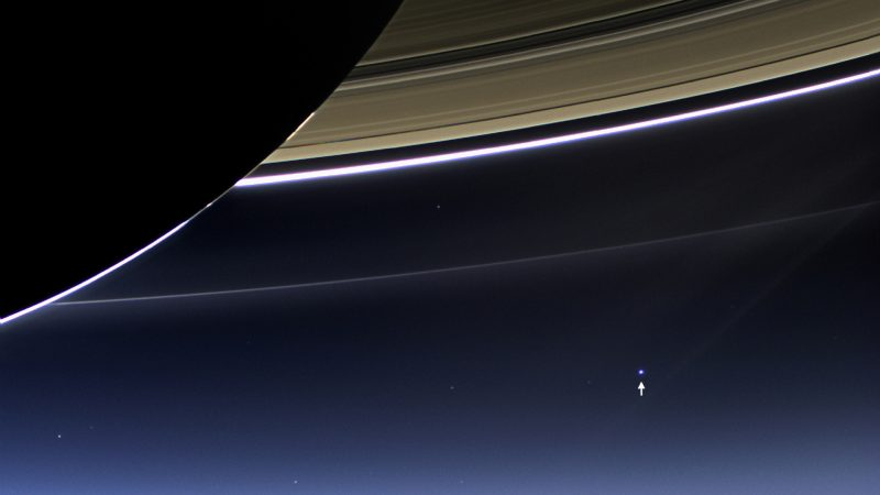 Ziemia widziana zza Saturna. Fot. NASA/JPL-Caltech/Space Science Institute