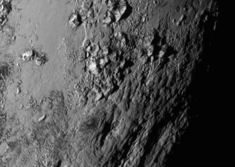 Góry na Plutonie. Fot. NASA-JHUAPL-SwRI