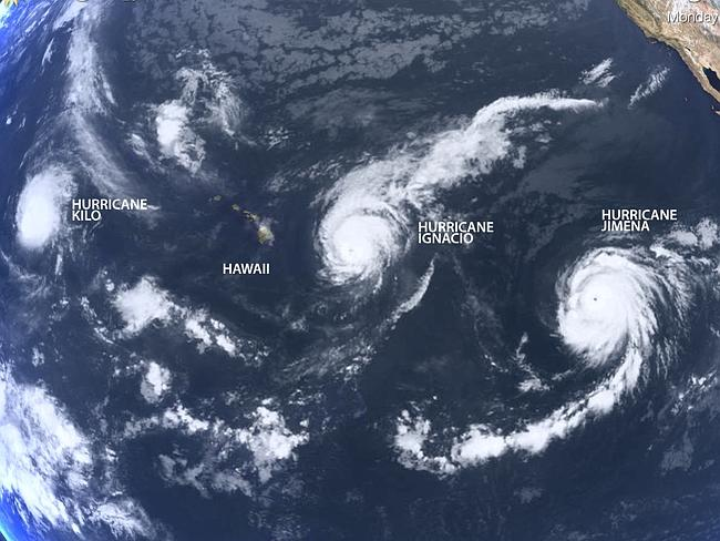 Trzy huragany kategorii 4 - Kilo, Ignacio i Jimena - uchwycone 29 sierpnia 2015 na Pacyfiku przez NASA Terra Satellite. Źródło: NASA Worldview