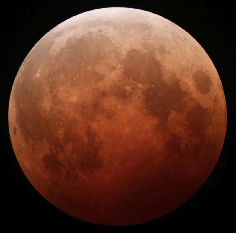 Zaćmienie Księżyca z 2014 roku. Fot. Tomruen