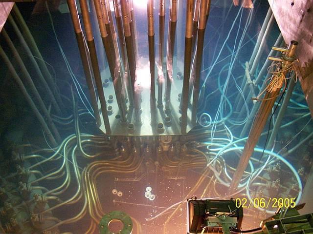 Rdzeń reaktora Maria w NCBJ w Świerku. Źródło: © Narodowe Centrum Badań Jądrowych