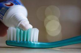 Dlaczego w USA zakazano kosmetyków z mikrogranulkami?