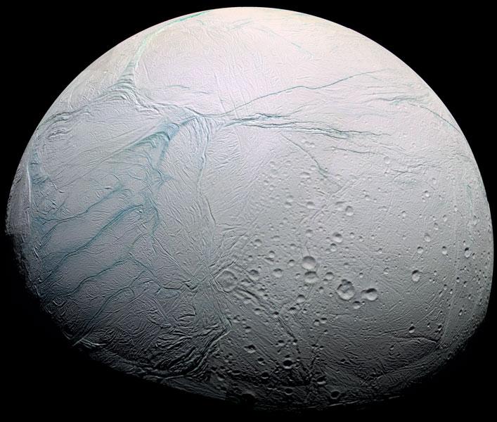 Czy Enceladus okaże się zawierać życie? Fot. NASA/JPL/SSI