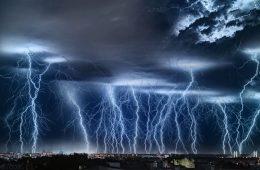 Burza nad Warszawą – piękne i straszne zdjęcie