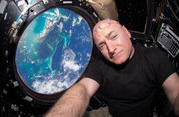 Rok w kosmosie – galeria najlepszych zdjęć zrobionych przez astronautę Scotta Kelly'ego