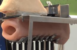 To, co robi ten dziwny robot jest fascynujące i przerażające