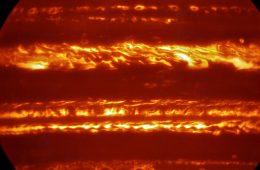 Płonący Jowisz – niezwykłe zdjęcie na przywitanie sondy Juno