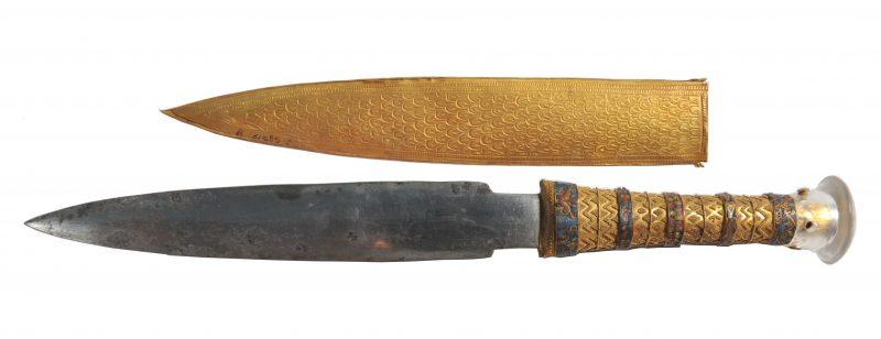 Sztylet faraona Tutanchamona z ostrzem zrobionym z meteorytu. Fot. Daniela Comelli et al