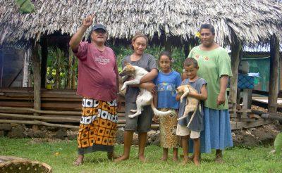 Samoańska rodzina. Fot. Plenz/Wikimedia