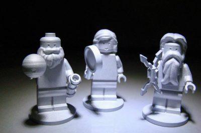 Aluminiowe figurki Lego: Jowisz, Junona i Galileusz. Fot. Lego