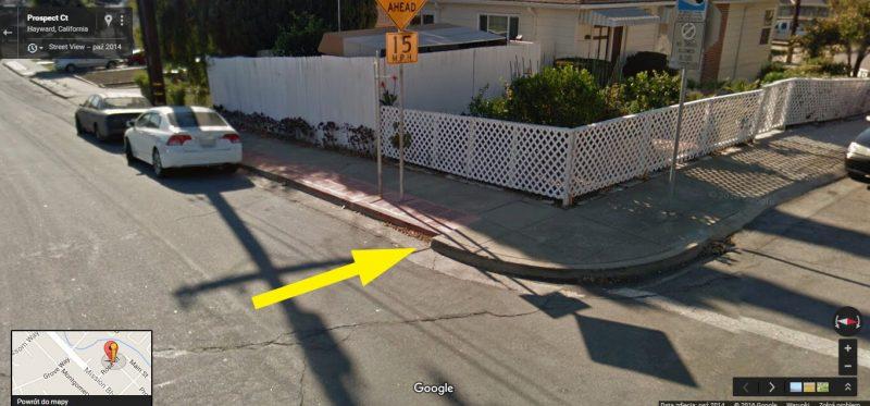 Słynny krawężnik w Hayward. Fot. Google Maps