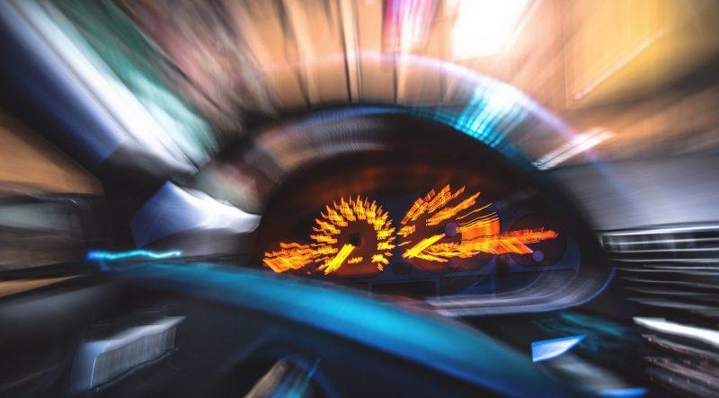Zaburzenia widzenia i mdłości to najbardziej uciążliwe objawy choroby lokomocyjnej (fot. Pixabay)