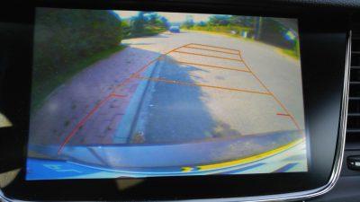Obraz z kamery cofania - Opel Astra ST Fot. Crazy Nauka