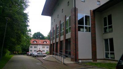 Budynek Instytutu Biologii Ssaków w Białowieży. Fot. Crazy Nauka