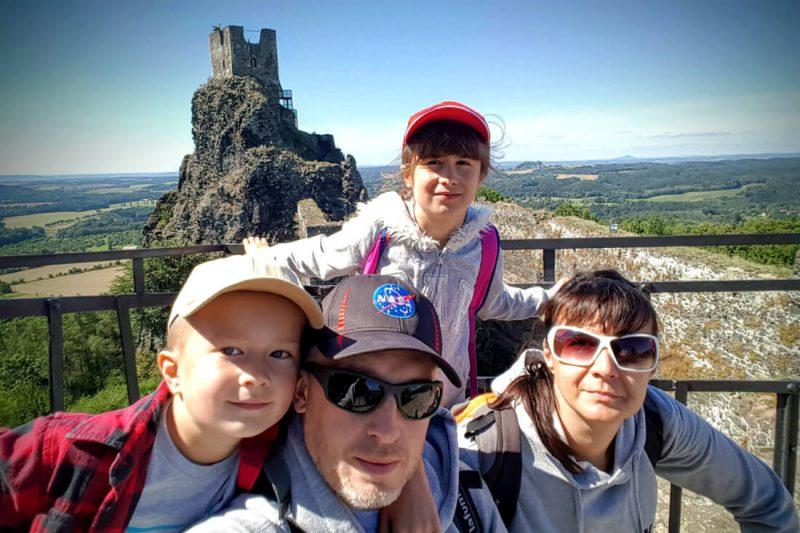 Zamek Trosky, widok na wieżę Baba. Fot. Crazy Nauka