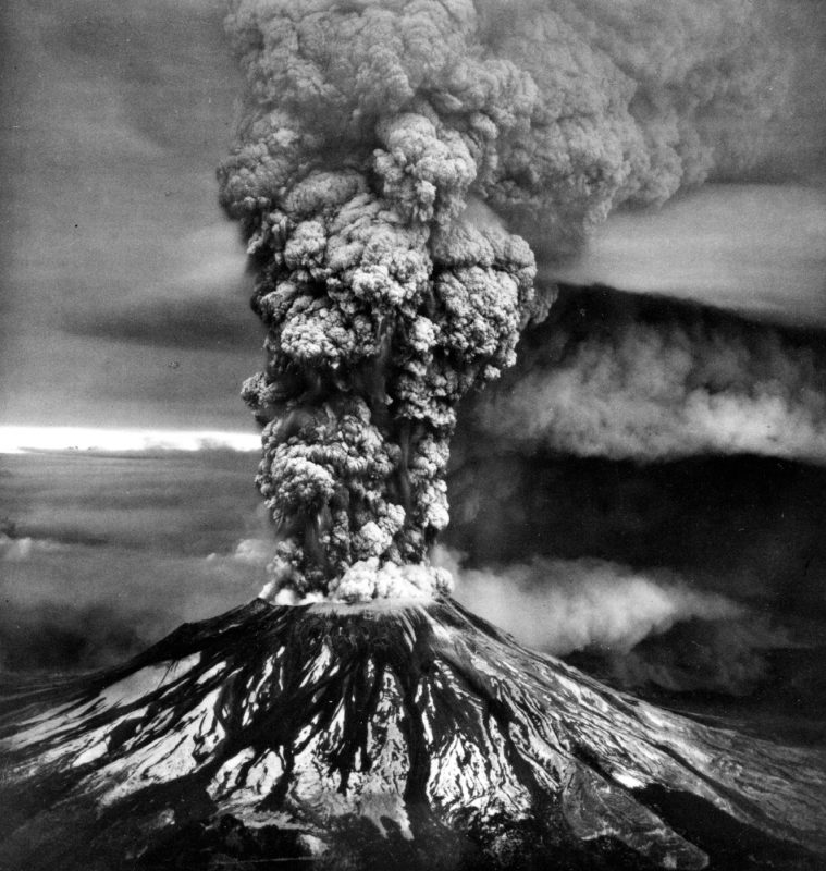 Główna erupcja Mt St. Helens 18 maja 1980 roku. Fot. USGS
