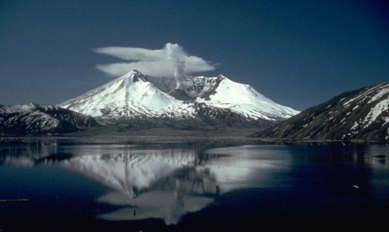 Mt St Helens po erupcji, 19 maja 1982 r. Fot. Lyn Topinka/USGS
