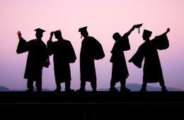 """Coraz mniej ludzi z """"genami edukacji"""" – maleje genetycznie warunkowany pęd ku wiedzy"""