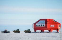 """Polak sfotografował """"przeprowadzkę"""" stacji na Antarktydzie"""