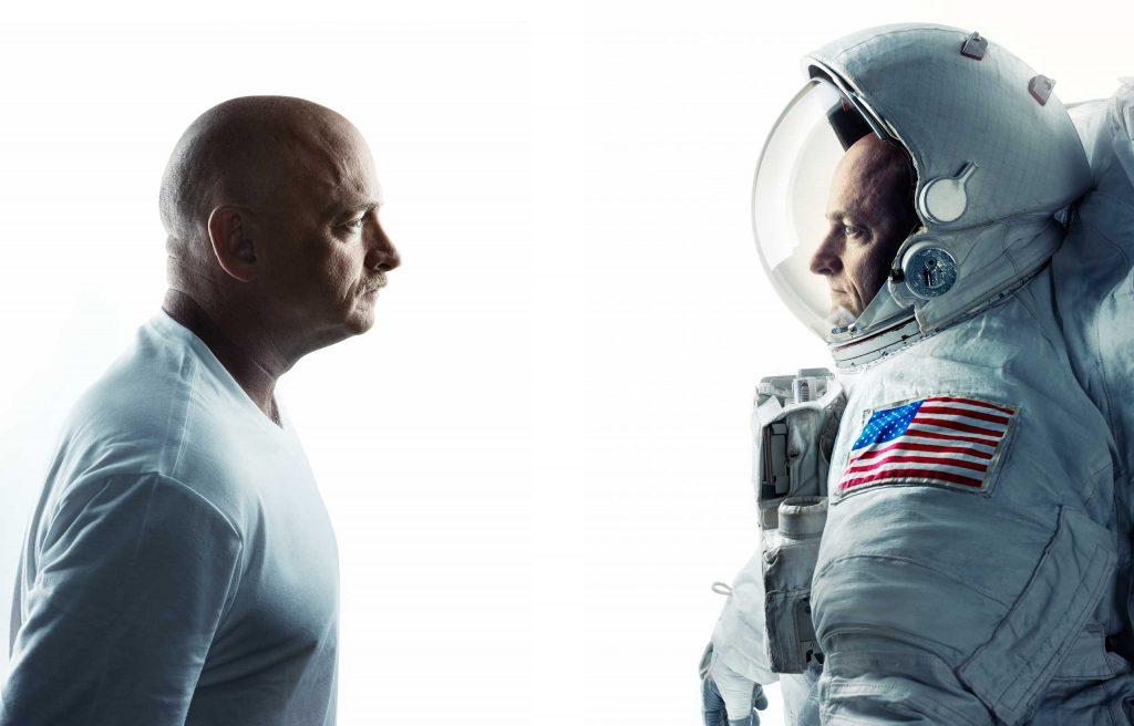 Mark i Scott Kelly - bliźniacy, na których przeprowadzono kosmiczny eksperyment. Fot. NASA