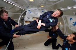 Stephen Hawking poleci w kosmos