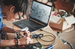 Rusza Akademia Kodowania: pierwszy konkurs dla młodzieży na projekty Internetu Rzeczy