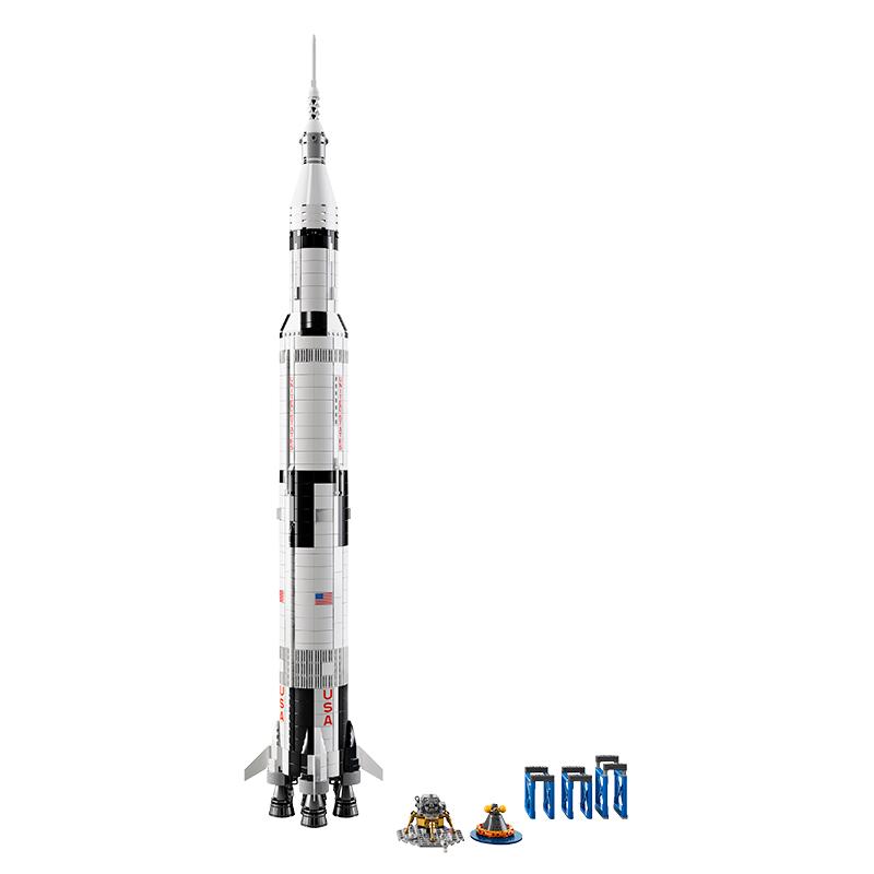 Zestaw LEGO Saturn V - rakieta, lądownik, kapsuła i podstawki