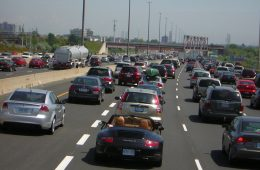 Jeden autonomiczny samochód może rozładować korki