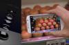 Nowy rodzaj matrycy pomoże np. zbadać jakość owoców. Fot. ICFO People/YouTube