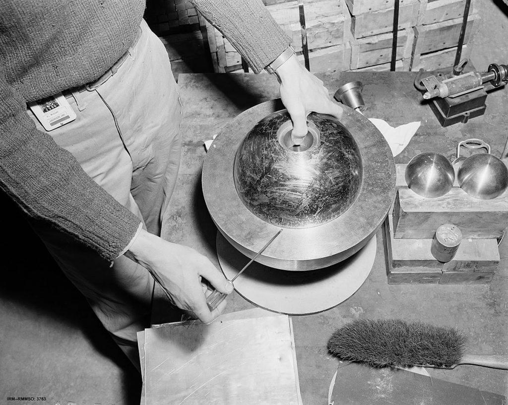 Rekonstrukcja doświadczenia Slotina. Fot. Los Alamos National Laboratory/Wikimedia Commons