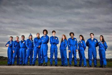12 uczestników programu. Fot. BBC