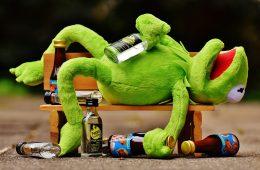 Niedosypianie działa na mózg podobnie jak bycie pijanym