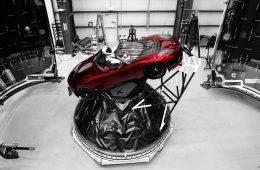 Dziś startuje w stronę Marsa… czerwony samochód Tesla. I to nie jest żart