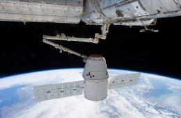 Międzynarodowa Stacja Kosmiczna będzie widoczna nad Polską z towarzyszącym jej statkiem Dragon