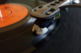 Nowe płyty winylowe będą miały jakość HD, ale posłuchasz ich na zwykłym gramofonie