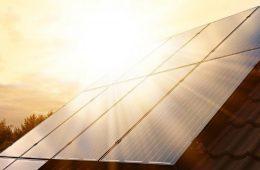 Instalacje fotowoltaiczne, czyli prąd ze słońca na własnym dachu – jak zacząć, ile to kosztuje?