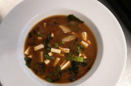 Zupa miso: ten straszny glutaminian sodu