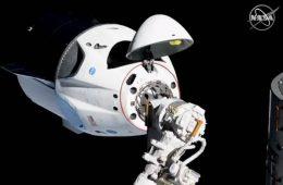 Dlaczego udany start i dokowanie statku SpaceX Crew Dragon są takie ważne?