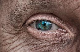 Dlaczego niebieskie oczy tak naprawdę nie istnieją?