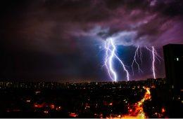 Burza - jak prawidłowo obliczyć odległość od błysku do grzmotu?