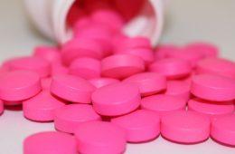 Czy ibuprofen szkodzi przy COVID-19? Historia fałszywej informacji